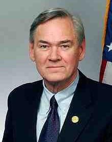 220px-Congressman_Dennis_Moore.JPG