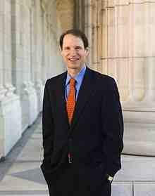 220px-Ron_Wyden_official_photo.jpg