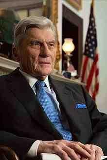 220px-Senator_John_Warner_portrait.jpg
