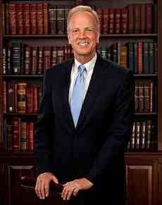 230px-Jerry_Moran,_official_portrait,_112th_Congress.jpg