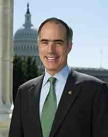 Senator_Bob_Casey_official_photo_2010.jpg